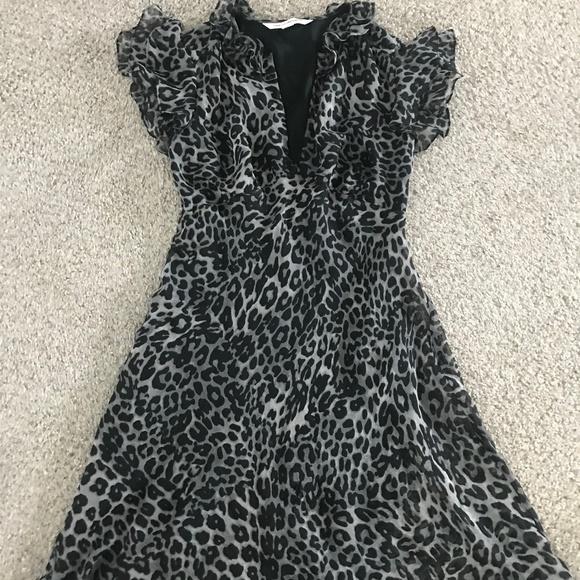 DVF Dresses & Skirts - Diane Von Furstenberg Kasper US 4 100% silk